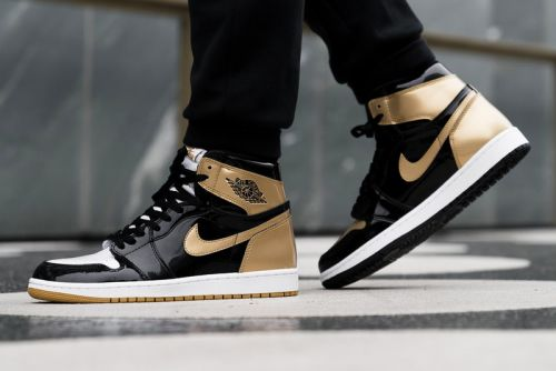 "On-Feet Shots of the Upcoming Air Jordan 1 Black/Gold ""Top 3"""