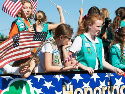 The Girl Scouts Shared A Powerful Message About Consent, By Talking About Hugs