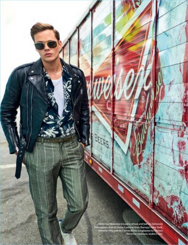 Bill Skarsgård Covers Jocks & Nerds, Dishes on Working with Fear for 'It'
