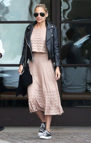 Women of Any Height Can Wear This Dress Style