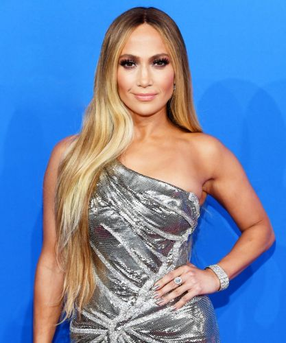 J.Lo Showed Off A Blonde Wavy Lob At The AMAs