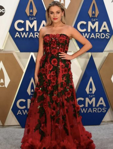 The Best Celebrity Looks At The 2020 Country Music Awards