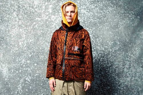 WHIZ LIMITED Brings Back '80s Motifs for SS20 Collection