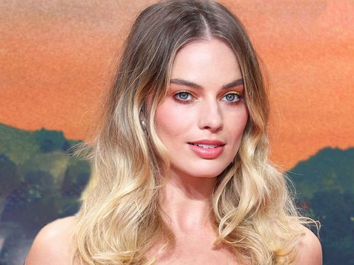 Hollywood's Hottest Makeup Trend Looks Like An Aperol Spritz