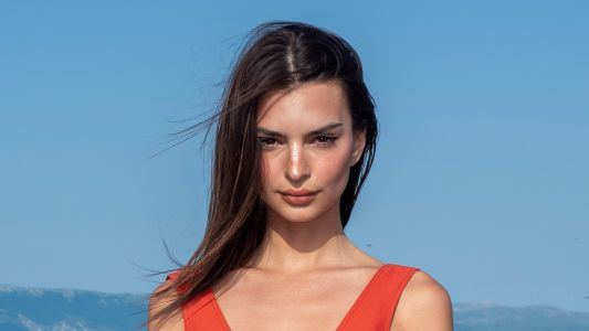 Emily Ratajkowski Looks Stunning in Red Mini Dress at Jacquemus Men's Fashion Show