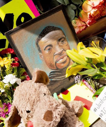 This Twitter Trend Is Helping Support The People Protesting George Floyd's Murder