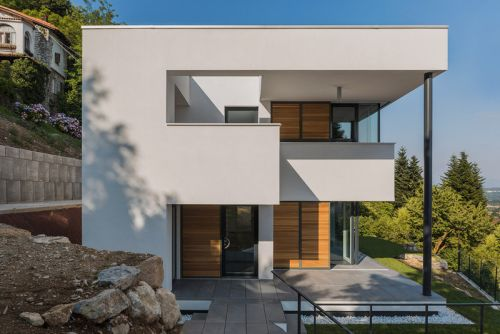 House NM Brings Minimalism to Italy's Hillside