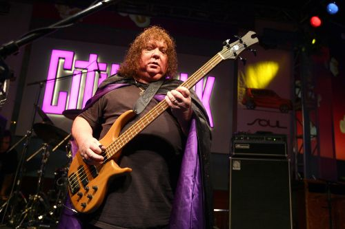 Steve Priest, bassist who co-founded Sweet, dead at 72