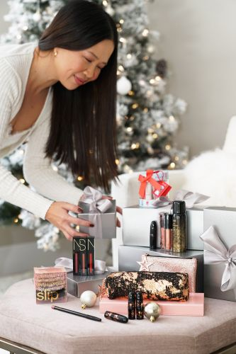 Holiday Gift Guide: Best Beauty Sets $50 + Under
