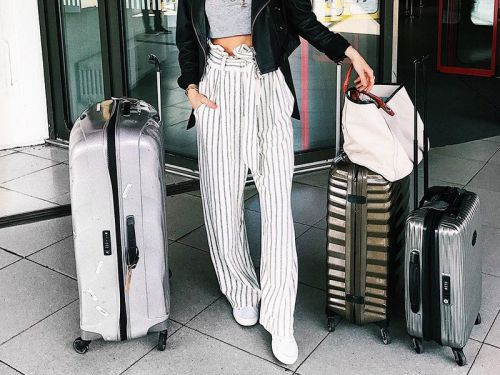 The Worst Things to Wear to an Airport, According to a TSA Agent