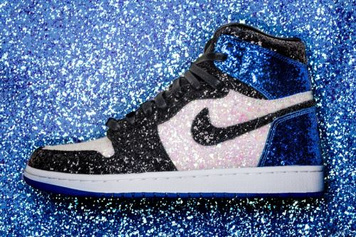 "The Shoe Surgeon Crafts fragment design x Air Jordan 1 ""Glitter"" Customs"