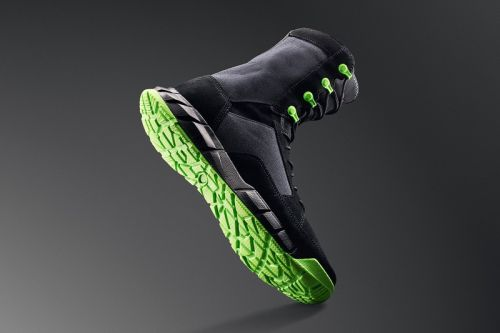 """A Closer Look at Oakley's Striking """"Neon"""" Coyote Boots"""